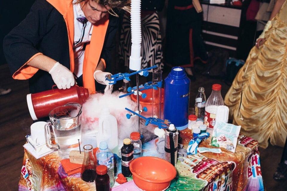Химическое шоу для детей на день рождения