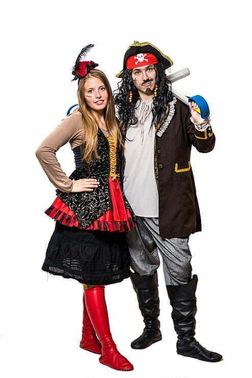 Пират и пиратка на пиратский квест