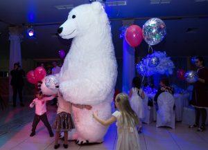 Белый медведь на праздник