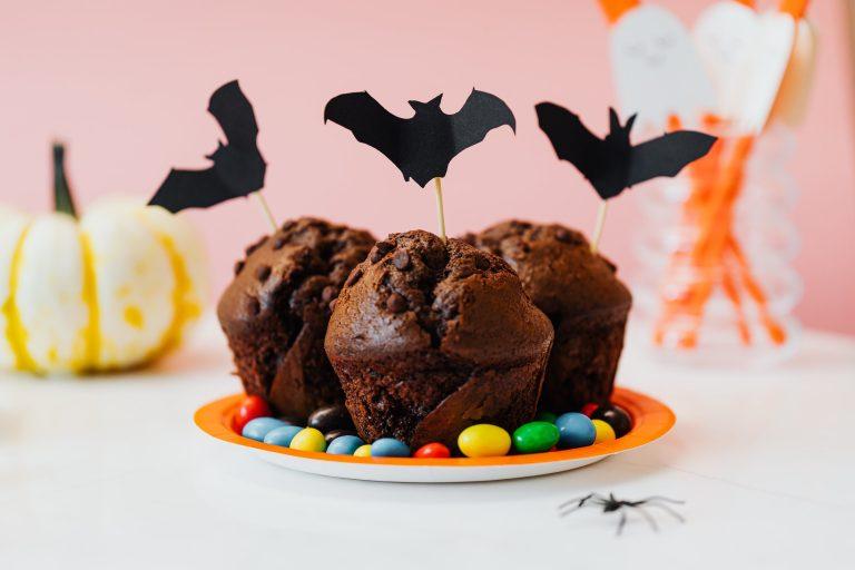 Мини кенди бар в стиле Хэллоуин: кексы и тыквы
